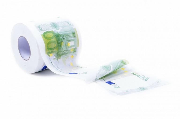 Toilet paper for money │© PublicDomainPictures