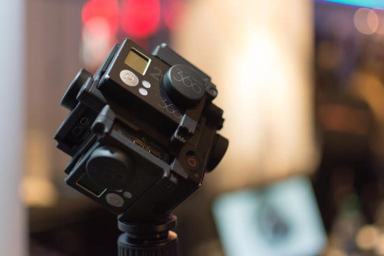 A 360 degree VR camera setup. | betto rodrigues / Shutterstock.com