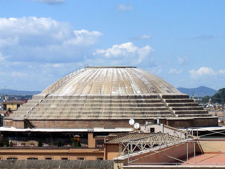 Pantheon dome exterior | © antmoose/Flickr