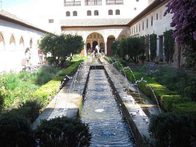 Tranquil gardens in the Alhambra's summer palace; Tunggul Siswoyo, flickr