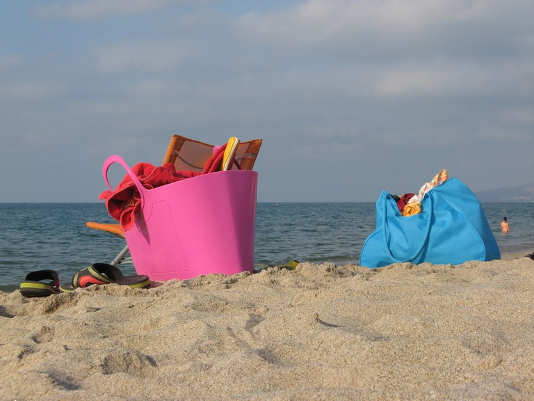 Bag on the beach |© Michela Simoncini/Flickr