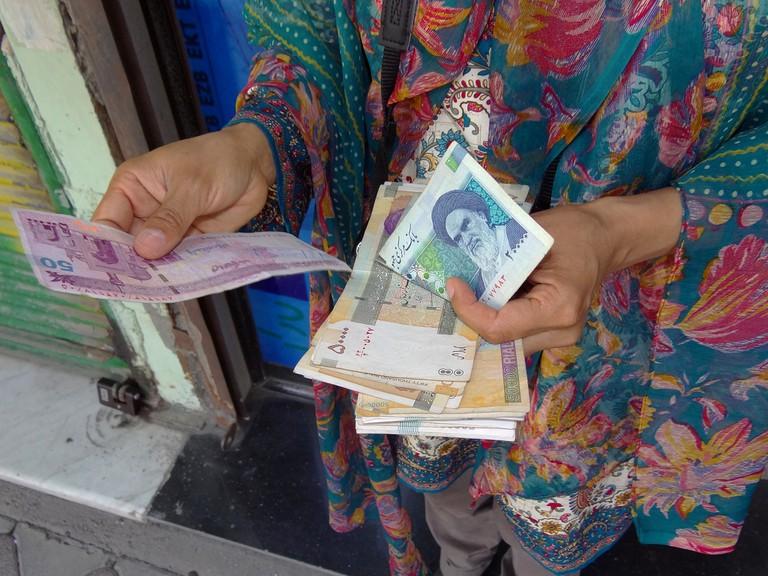 Iranian bank notes | © Adam Jones / Flickr