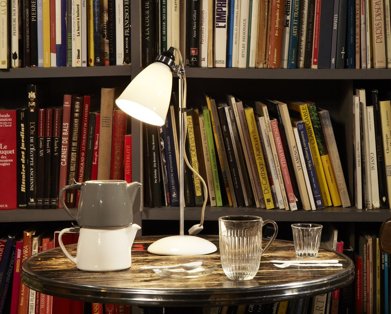 A set table in the library of Merci │ Courtesy of Merci