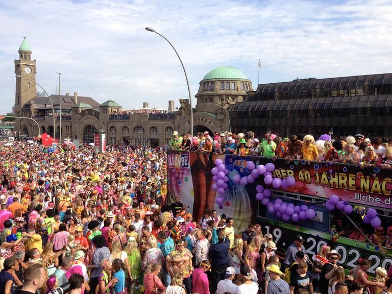 Schlagermove parade at the Landungsbrücken