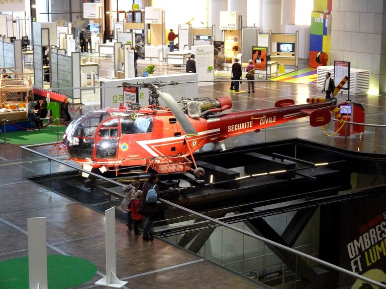 Helicopter at the Cité des Sciences et de l'Industrie │© Siren-Com / WikiCommons