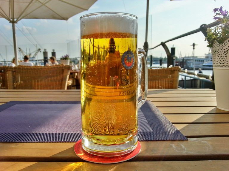 A beer with a view of the Elbe