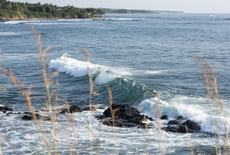 Empty peeling waves/Kaitlyn Shea