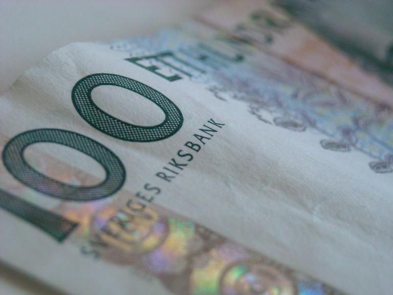 100 Swedish Kronor