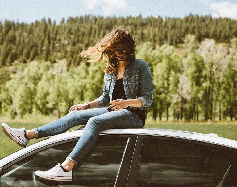 Girl Traveling | Averie Woodard / Unsplash