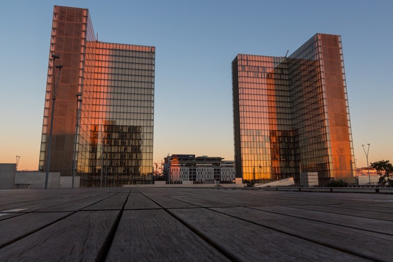 One half of the BNF seen at sunset │© LuxFactory
