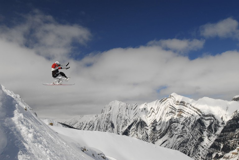 Following surgery and nine months of rehab, Josh Dueck returned to the mountains | © Alan Sleigher