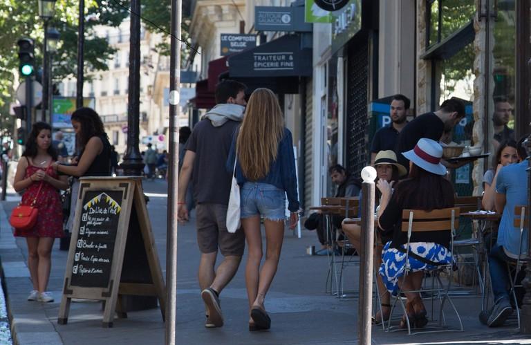 Rue des Martyrs  │