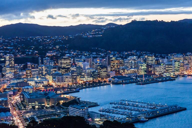 Wellington City at Dusk | © russellstreet/Wikimedia Commons