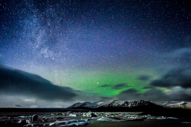 Aurora and stars in Iceland | © Claudia Regina / Flickr