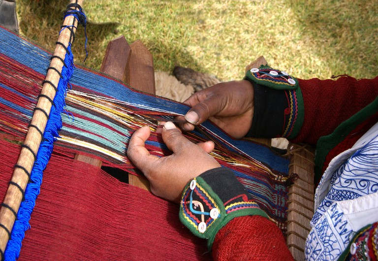 Weaving at Chinchero Market | © putneymark/Flickr