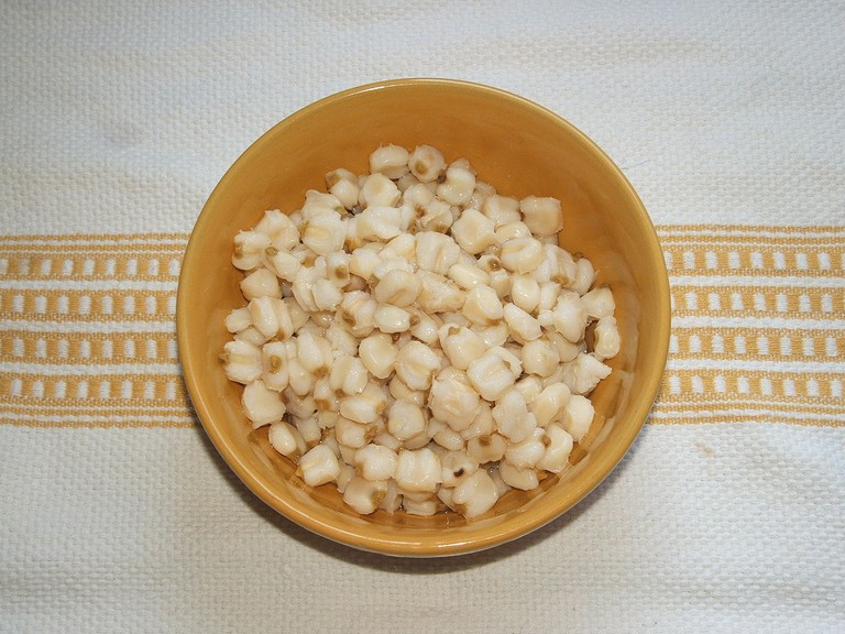 The hominy (maize) used in pozole