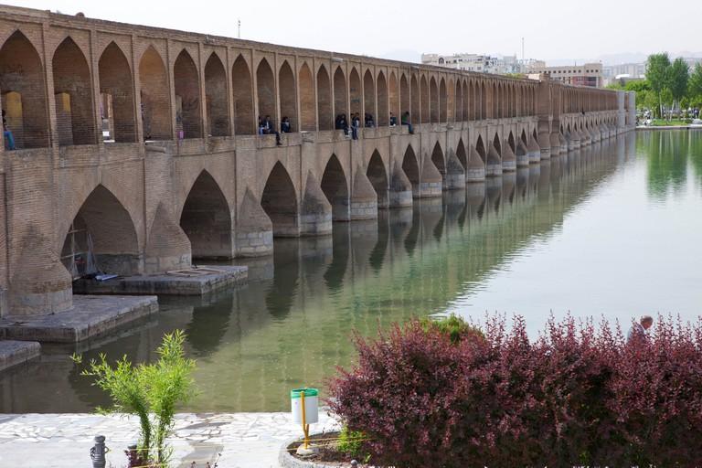 Si-o-se Pol: the longest bridge on Zayandeh River | © Ninara / Flickr