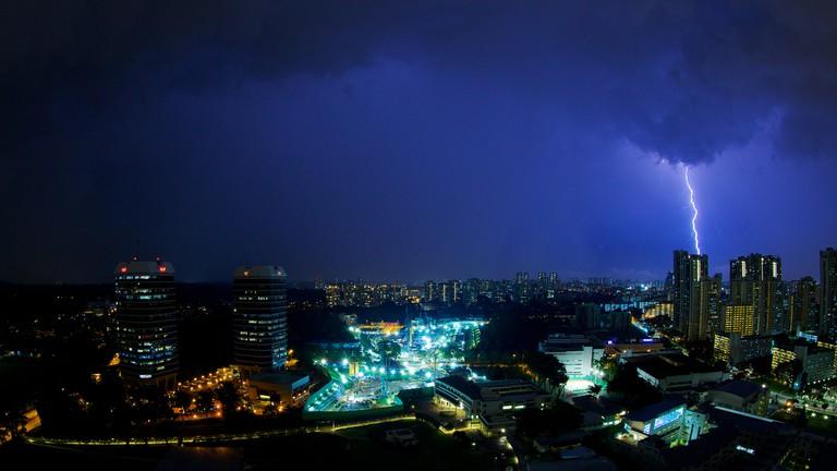 Lightning strike over Singapore | © Brent 2.0/Flickr