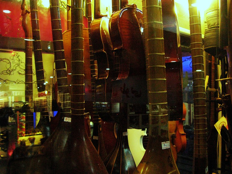 Music store in Tehran | © Blondinrikard Fröberg / Flickr