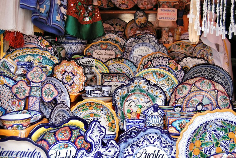 Eclectic Pottery Display Cancun|© Russ Bowling/ flickr