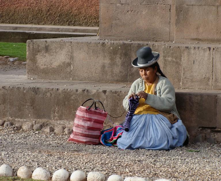 Aymara woman knitting   © Julia Manzerova