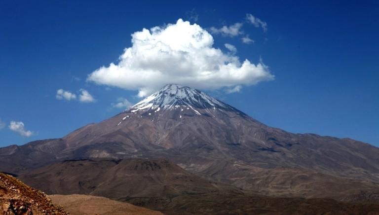 Mount Damavand, the symbol of Iran | © Ninara / Flickr