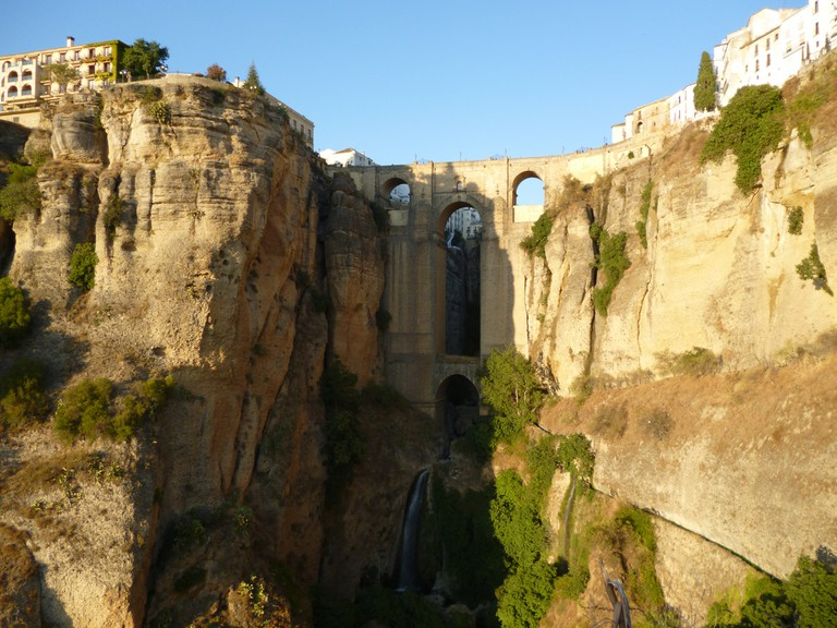 "Ronda is perched on either side of the ""EL Tajo"" gorge; wellseo.de, flickr"