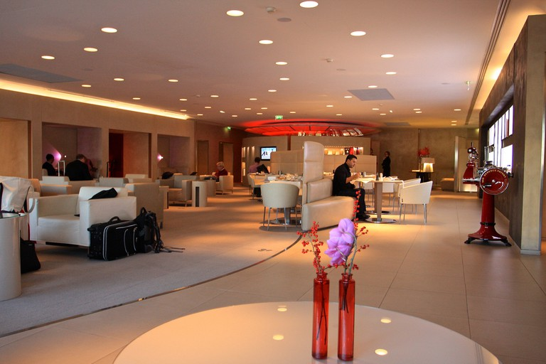 Air France First Class Lounge - Paris Charles de Gaulle Airport │© TravelingOtter / Flickr