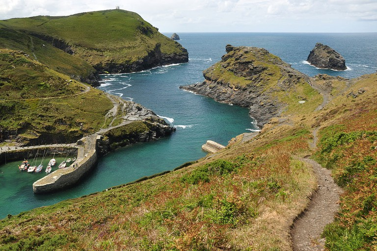 Boscastle harbour © Nilfanion / Wikimedia