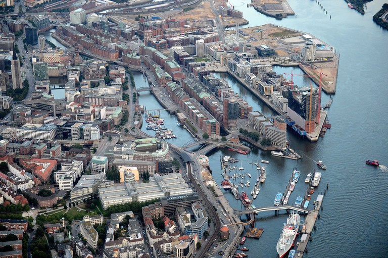 Aerial view of the Speicherstadt and the new quarter Hafencity, Hambue had rg