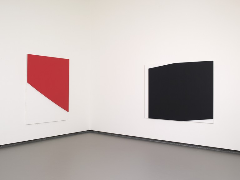 Ellsworth Kelly – Red Curve in Relief, at the Fondation Louis Vuitton │