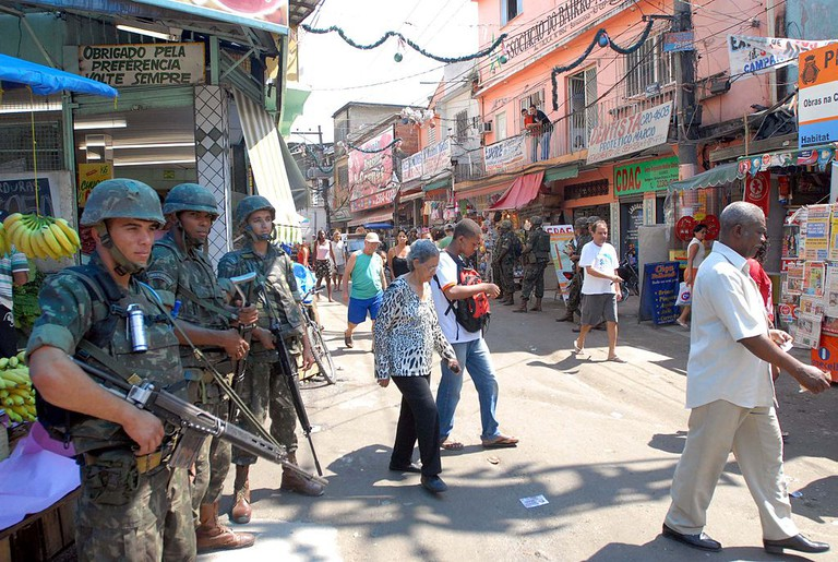 Pacifying favelas |© Wilson Dias/WikiCommons
