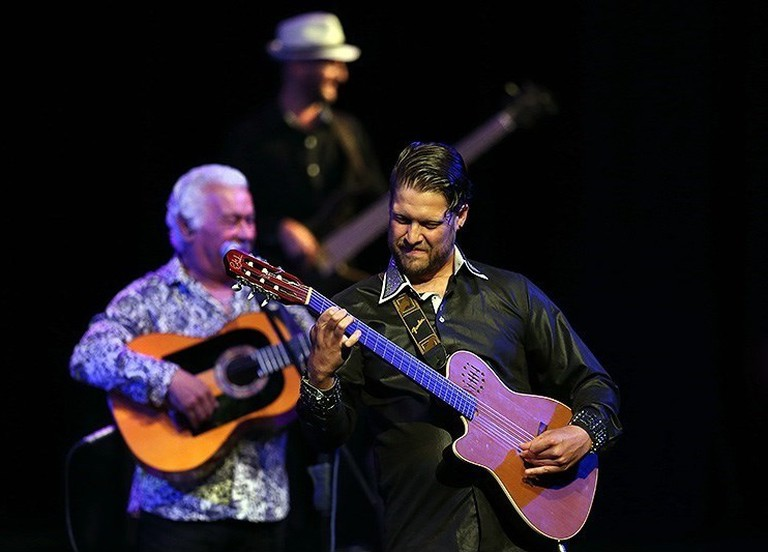 Gipsy Kings perform at Vahdat Hall | © Meghdad Madadi / Wikimedia Commons