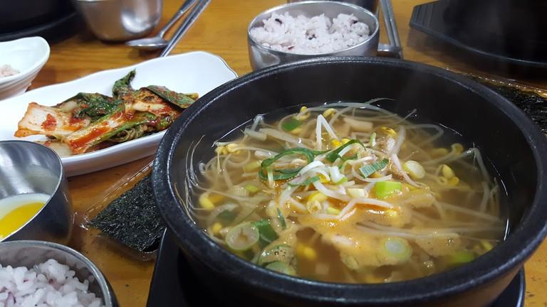 Kongnamul gukbap, a Jeonju specialty