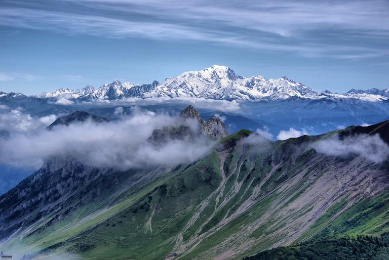 Mont Blanc au loin │ © Jean-Raphaël Guillaumin / Flickr