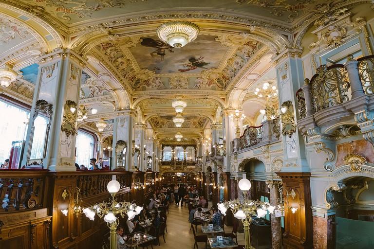 New York Cafe interior
