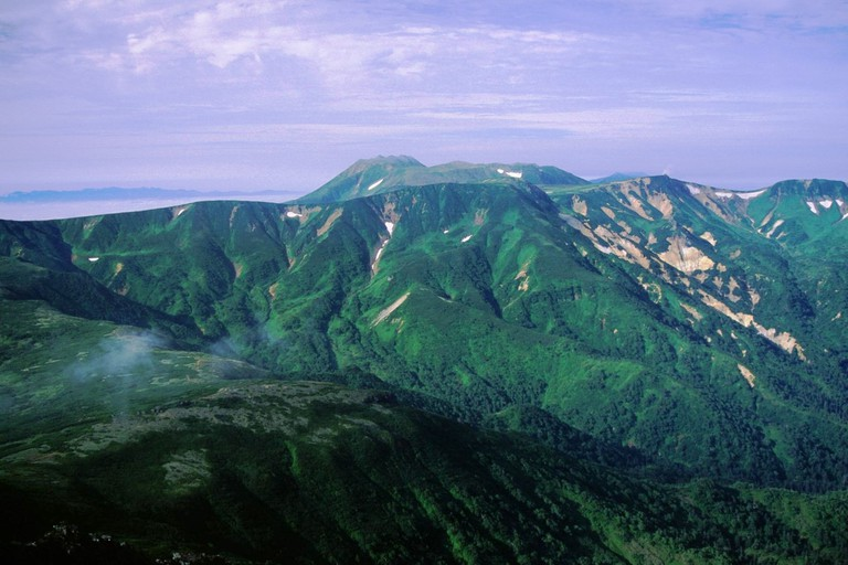 Mount Tomuraushi seen from Mount Chūbetsu