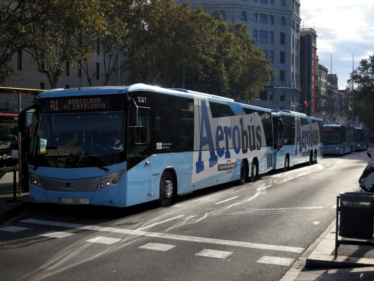 The Aerobus goes from Plaça Catalaunya to the airport © (Mick Baker)rooster