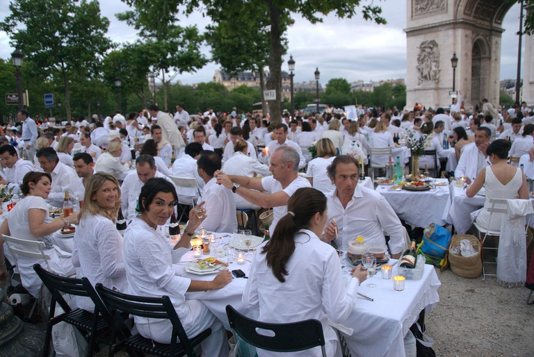 The 2007 White Dinner was held at the Arc de Triomphe