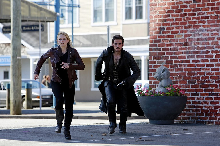Jennifer Morrison running through Steveston