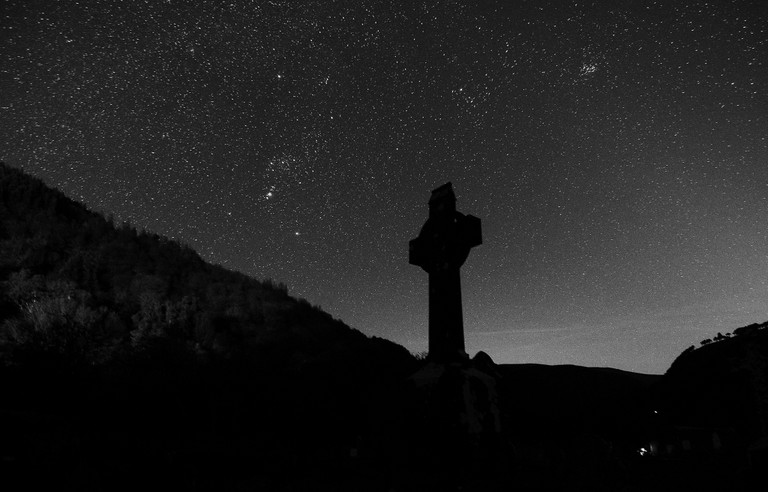 High-cross style cross at Glendalough | © Rob Hurson/Flickr