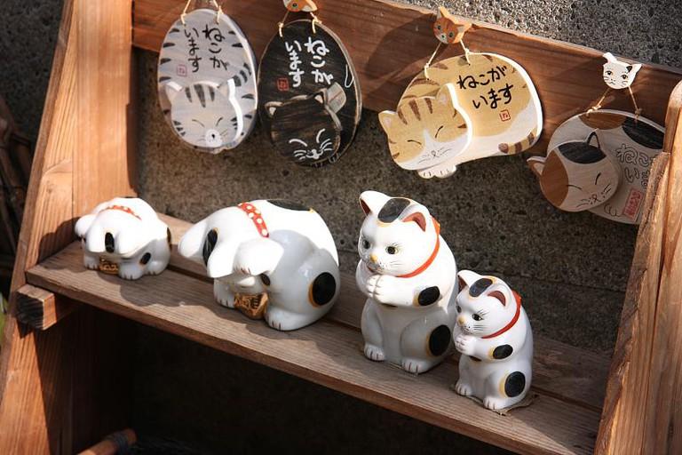 Cat goods for sale along Yanaka Ginza | © Tadashi SAWADA/Flickr