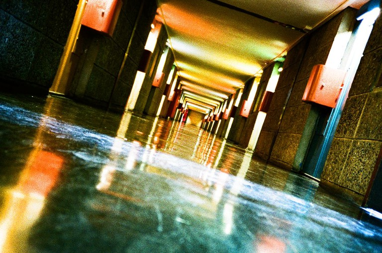 The inside corridors are symmetrical | © Cyril Caton/flickr
