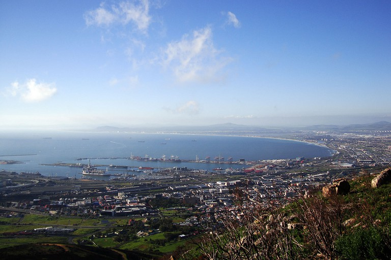 The view over Cape Town from the far end of Tafelberg Road on Table Mountain