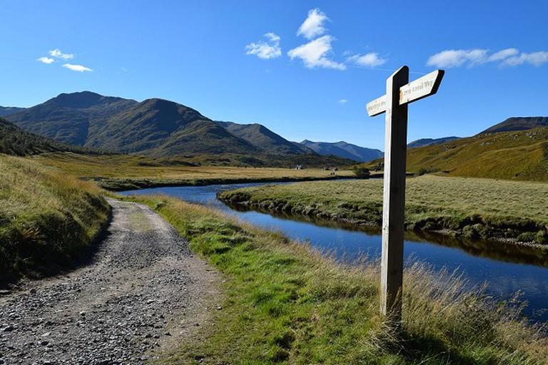 Affric Kintail Trail Waymarker   © Patrick Mackie / Geograph