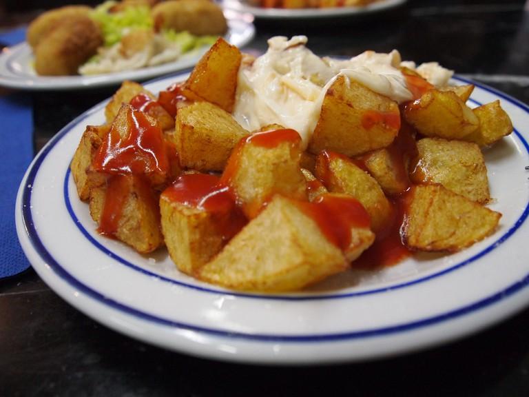 Spicy patatas bravas © leo gonzales