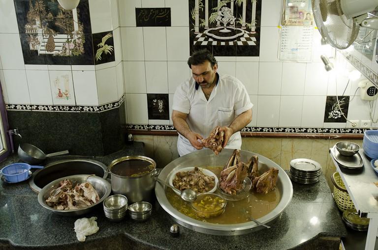 Kaleh pacheh stew | © Kamyar Adl / Flickr