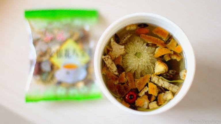 An herbal tea containing dried tangerine peel