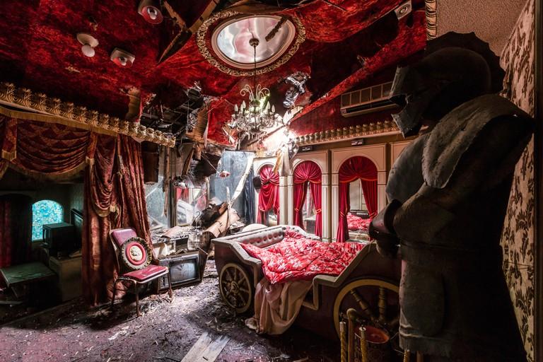 Bedroom │ Courtesy of Romain Veillon