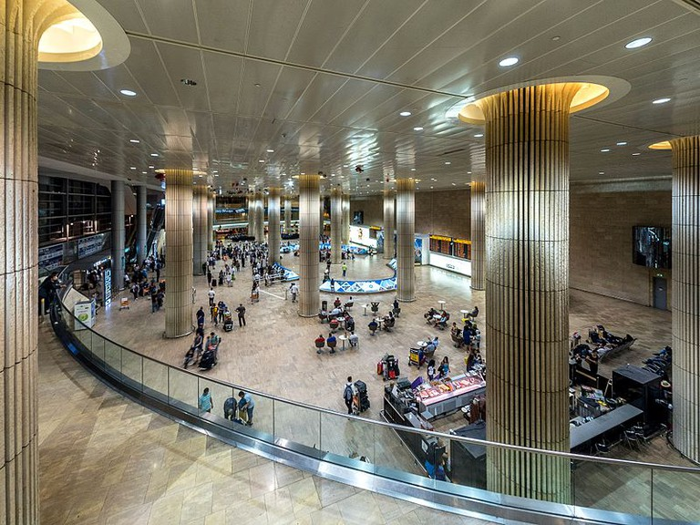How best to get to Tel Aviv from Ben Gurion Airport in Israel?